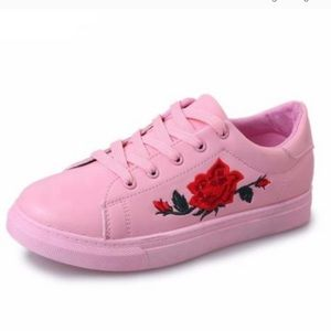 Qupid shoes pink embroidery sneaker shoes.